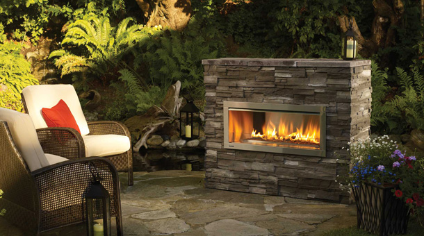 The Regency Horizon™ HZO42 Outdoor Gas Fireplace features quality workmanship and contemporary styling available at The Energy House in Northern California.